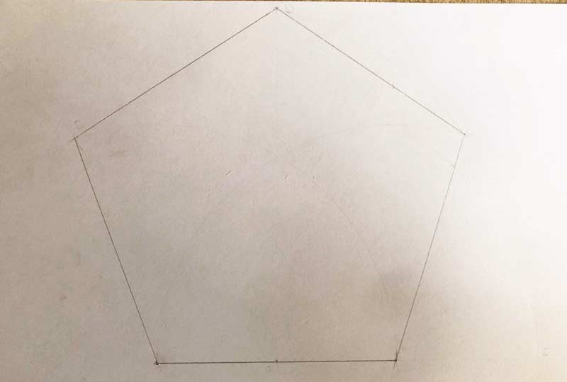 Come disegnare un pentagono regolare
